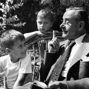 Le célèbre écrivain allemand Thomas Mann meurt le 12 août 1955