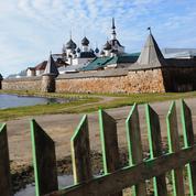 Russie: aux îles Solovki, les pèlerins grignotent la mémoire du goulag