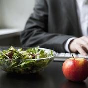 Déjeuner au bureau : les conseils d'une professionnelle pour perdre les kilos de l'été
