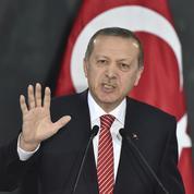 «Erdogan cherche à tout prix à garder la main»