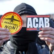 Notre-Dame-des-Landes: des hommes masqués s'attaquent aux gendarmes