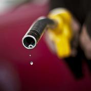 Pourquoi la baisse du cours du pétrole se répercute peu sur le prix à la pompe