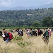 Dépassée par le nombre, la Macédoine rouvre sa frontière aux migrants