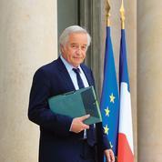 Hollande confronté à l'épineux remplacement de Rebsamen