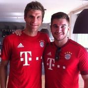 Le héros américain du Thalys a rencontré son idole Thomas Müller