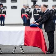 Bernard Cazeneuve présent aux obsèques du gendarme tué dans la fusillade de Roye