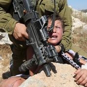 Un jeune palestinien et un soldat israélien au cœur d'une guerre des images