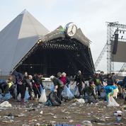 Migrants : le festival de Glastonbury fait don de ses objets trouvés