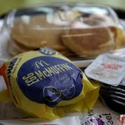 McDonald's fait la chasse aux œufs de poule élevées en batterie