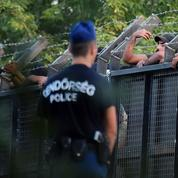 Face à une Hongrie barricadée, les migrants se tournent vers la Croatie