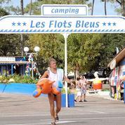 Camping 3 : Patrick Chirac va jouer au foot avec des nudistes