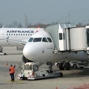Le Foll, Sapin, Juppé, Berger... : les pilotes d'Air France critiqués de toutes parts