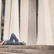 Les actifs dorment 50 heures de moins par an que les inactifs
