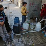 Syrie: les téléphones portables pour faire face à la pénurie d'eau à Alep