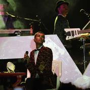 Stromae termine sa tournée au Rwanda et rend hommage à son «papa»