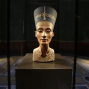 Néfertiti : feu vert à des tests au radar pour retrouver sa tombe