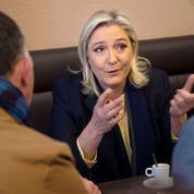 Régionales: le FN renvoie la gauche et la droite dos à dos