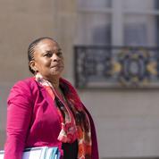 Cernée par les contestations, Christiane Taubira peut-elle rester au gouvernement?