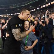 Le All Black qui a offert sa médaille à un enfant en a reçu une nouvelle