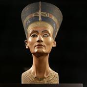 Tombe secrète de Néfertiti: une analyse pleine d'espoir