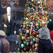 Les Français prévoient de dépenser plus et mieux à Noël