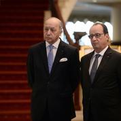 L'exécutif sommé de revoir sa politique étrangère de la droite jusqu'au PS