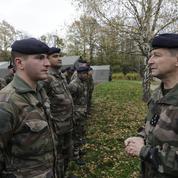 Le général de Villiers auprès des renforts de «Sentinelle»