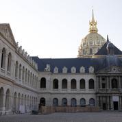 Un hommage aux victimes des attentats de Paris «sobre et solennel» vendredi