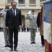 Hollande et le drapeau tricolore : une idée de Royal critiquée par la gauche en 2007
