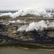 Pétrole, gaz, charbon : 2200 milliards de dollars risquent de partir en fumée
