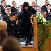 Le dernier adieu de la famille de Jonah Lomu lors de ses funérailles privées