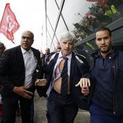 Air France: cinq salariés au tribunal après la chemise arrachée