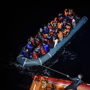 Les incroyables profits réalisés par les passeurs de migrants en Méditerranée