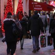 Achats de Noël: les avalanches de promos et de rabais peinent à séduire