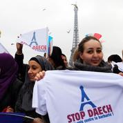 Une centaine de musulmans et de chrétiens «unis contre la barbarie» au Trocadéro