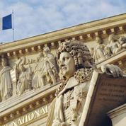 Déchéance de nationalité : mode d'emploi et limites juridiques