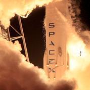 Avec un atterrissage à la verticale, SpaceX réussit son pari de fusée réutilisable