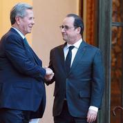 Hollande salue l'action de Debré et des Sages