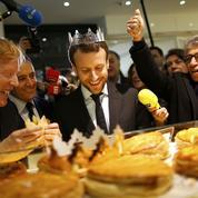 Macron profite du premier jour des soldes pour vanter le travail du dimanche