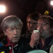 Place de la République, Renaud et Alévêque se sentent plus Charlie que Johnny