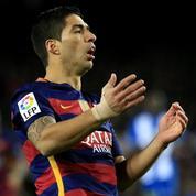 Luis Suarez traite ses adversaires de «déchets» et provoque une bagarre