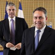 Pour Bertrand et Darmanin, Wauquiez est le «Superman» du cumul des mandats