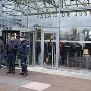 Assises de Seine-Saint-Denis: le policier se cramponne au récit de la légitime défense
