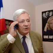 Bruno Gollnisch (FN) participe à une conférence du mouvement d'Alain Soral