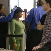 La fouille des cheveux des femmes noires dans les aéroports américains fait polémique