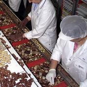 Condamnée pour avoir mis des objets métalliques dans des boîtes de chocolats Lindt