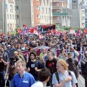 Les No Borders, ces militants radicaux qui soutiennent les migrants à Calais