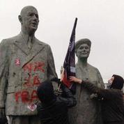 La droite s'insurge après la dégradation d'une statue du général de Gaulle à Calais
