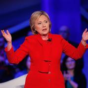 Sanders se défend d'être radical, Hillary joue l'expérience