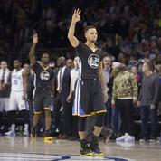 NBA : ils demandent un autographe avec une canne à pêche
